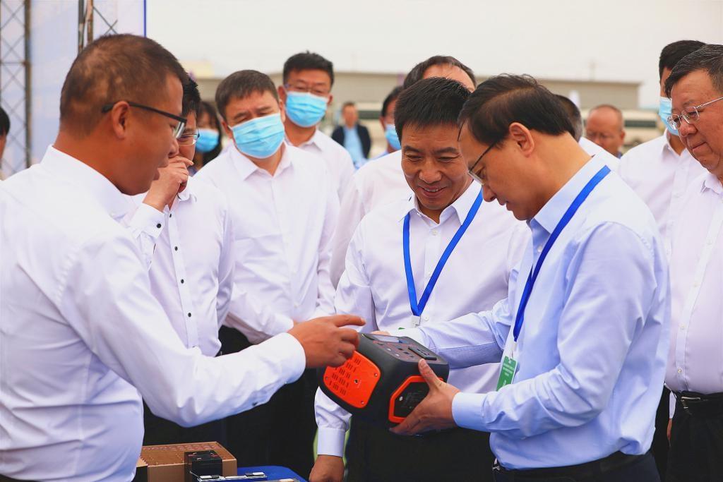 中国镍都(金昌)8GWh磷酸铁锂方形储能电池招商项目启动仪式在金昌举行